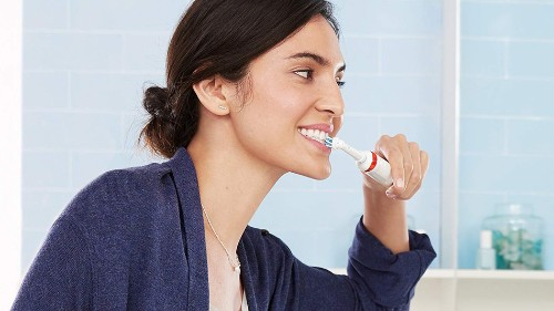 The Oral-B Smart 5 5000 CrossAction electric toothbrush is reduced by over £100 for a limited time