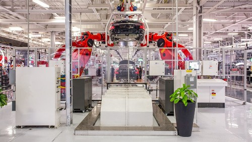 Tesla to reinstate Fremont factory tours after tweets from Elon Musk