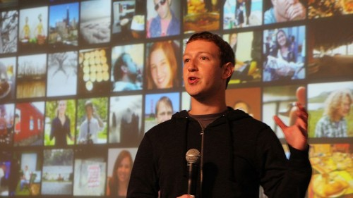 Facebook's Paper vs. Flipboard: Comparing Mobile News Apps