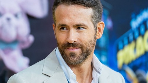 Ryan Reynolds' fake Amazon review of his own gin company is as glorious as you'd expect