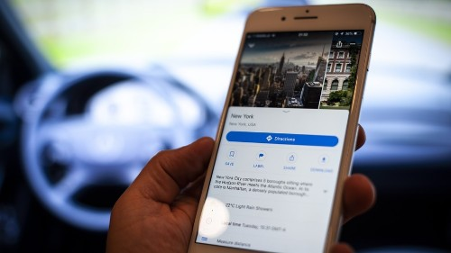 Google Maps crams more onto app for restaurant searches