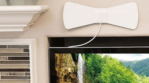 Looking to cut the cord on cable? This sleek, $17 HDTV antenna has you covered.