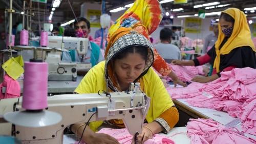 Video game teaches women to operate robots set to take their garment jobs