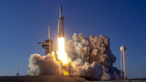 SpaceX booster accidentally falls into ocean after rough conditions