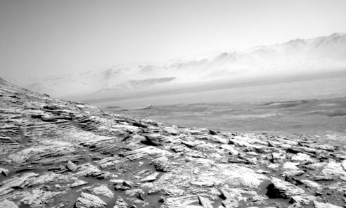 This Bleak NASA Mars Curiosity Rover Image Will Give You Chills!