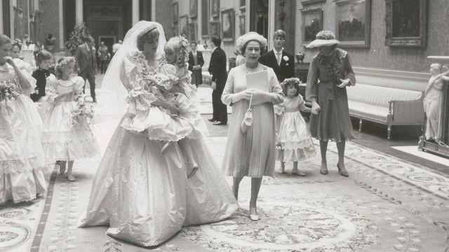 12 unseen photos peek behind the scenes at Charles and Diana's lavish royal wedding