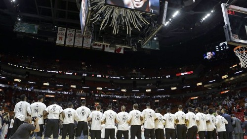 Miami Heat pay tribute to José Fernández before first home game