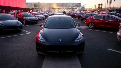 Consumer Reports pulls its Tesla Model 3 recommendation
