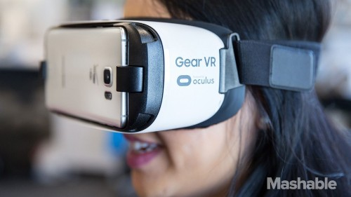 Samsung Gear VR is getting 'Minecraft' this spring