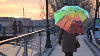 Smart umbrella always gives you a rain check