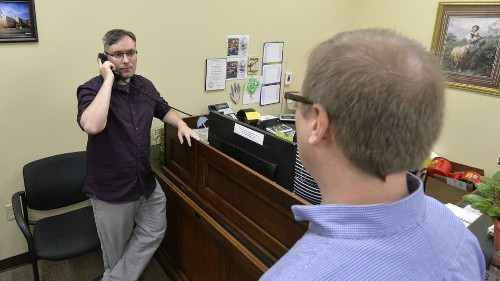 Kentucky clerk won't issue gay marriage licenses, defying Supreme Court