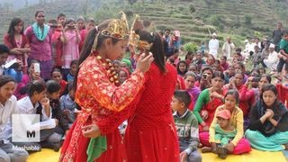 Hindu priests are now helping to combat child marriage in Nepal