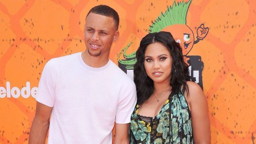 Ayesha Curry drains a three-point jumper over her husband