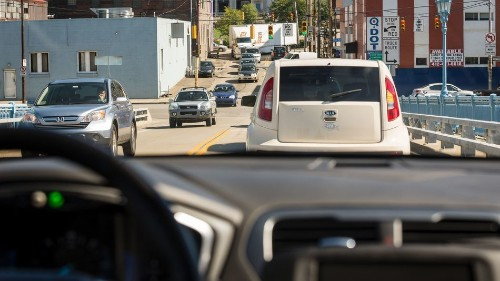 Self-driving cars are still learning unwritten road rules, like the Pittsburgh Left