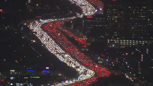 This Los Angeles Thanksgiving traffic jam is the most epic Mannequin Challenge ever