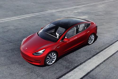 Tesla Plans To Meet Demand By Rebooting Car Dealerships: Report