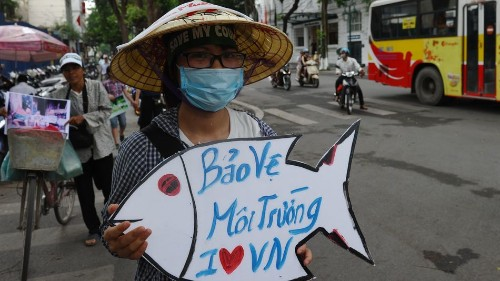 Vietnam 'blocks' Facebook over the weekend due to protests over dead fish