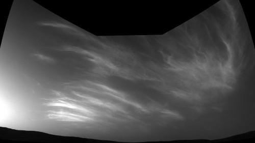 Martian clouds sail above NASA's Curiosity rover