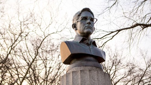 Artists demand that the NYPD give back their Snowden sculpture