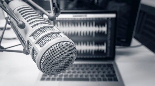 This app Will Let You Deepfake Your Own Voice To Edit Mistakes In Your Podcast - Tech