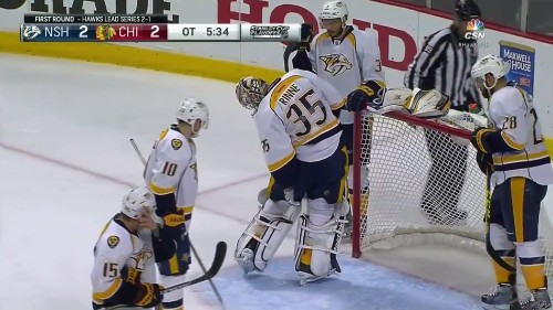 NHL goalie loses puck in his pants for 3 painfully awkward minutes