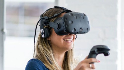 HTC Vive's audio accessory leaving black residue for some VR users