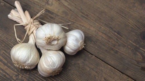 People are apparently putting garlic inside their vaginas. Here's why you definitely shouldn't.