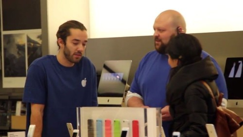 Fake Apple Store employees diss Apple, promote Microsoft products