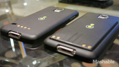 New smartphone battery recharges in less than two minutes