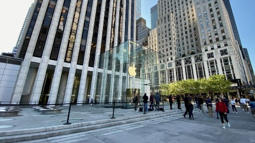 Why the Apple Fifth Avenue cube is more than just an interior design revamp