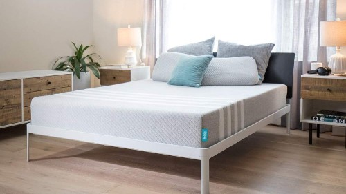 Leesa memory foam mattress and pillow on sale for 20% off at Amazon