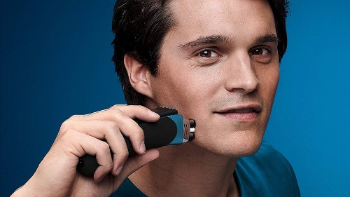 Braun Series 3 ProSkin 3080s electric shaver on sale for under £70 on Amazon