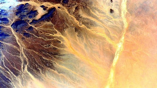 13 striking photos that show Earth's beauty from 250 miles above