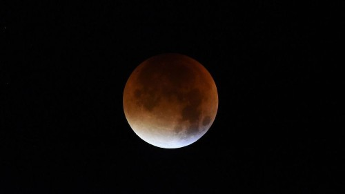 Dazzling photographs of the blood red supermoon eclipse