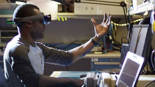 What it's like to build holographic apps for Microsoft HoloLens