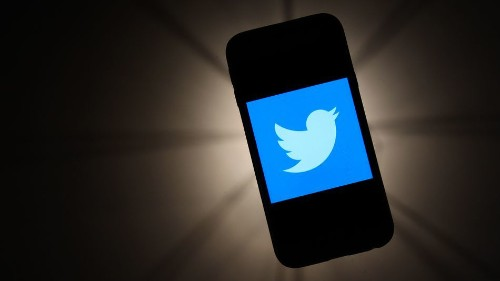 Twitter lets some lucky users schedule tweets on desktop