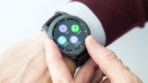 Samsung's Gear smartwatches now work with your iPhone
