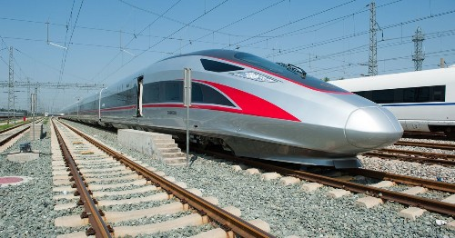 China's latest bullet trains will reach a blazing 400 km/h, faster than the Hyperloop One (for now)