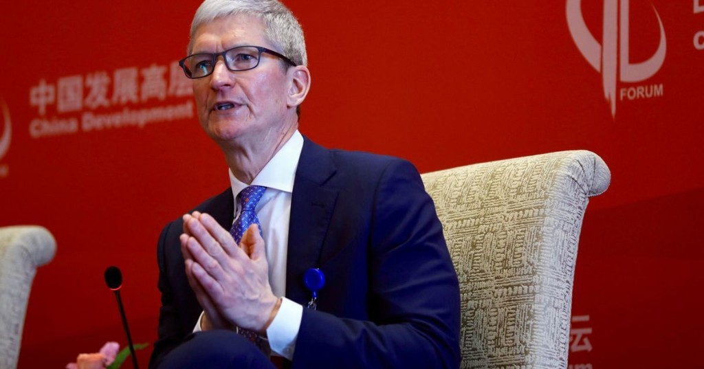 Apple's Tim Cook calls for stronger privacy laws after the Facebook scandal