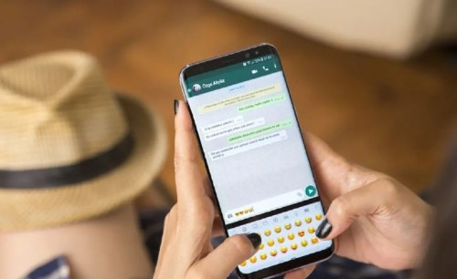 Here's How You Can Transfer WhatsApp Chats From iPhone To Android