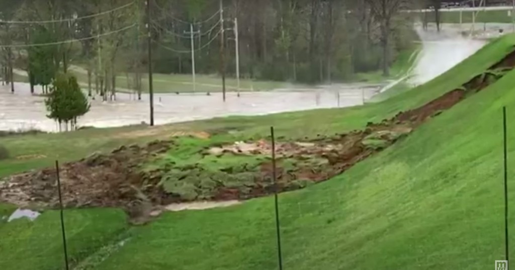 Video shows precise moment of Michigan's disastrous dam failure