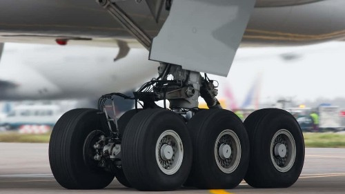 Man endangers life by hiding in plane's landing gear because he couldn't afford flight ticket - Culture