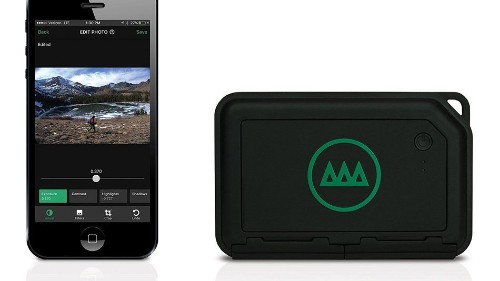 Turn your smartphone into a mobile photo editor with this little box