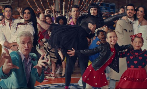 'What A Man Gotta Do': Jonas Brothers Ft. Priyanka Chopra, Sophie Turner, Danielle Jonas Is Fire - Entertainment
