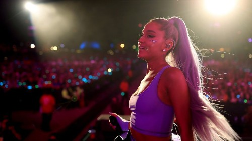 Ariana Grande makes surprise appearance at Coachella, and it's pretty great