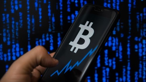 Not caring about bad news, Bitcoin goes above $6,000 for the first time this year