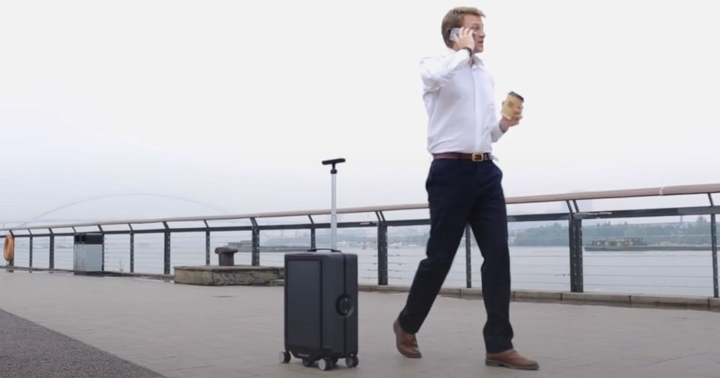 Robotic suitcase means you'll never travel alone again