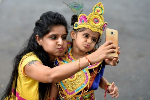 India Surpasses The US To Become 2nd Largest Smartphone Market In the World - Tech