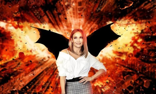 Jennifer Lopez Thinks She Can Play Batman, Robert Pattinson Agrees!