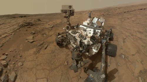 Curiosity rover finds evidence that small amounts of liquid water exist on Mars
